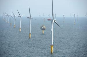 Wind farm off the coast of England/Photo by Harald Pettersen/Statoil, Wikimedia Commons